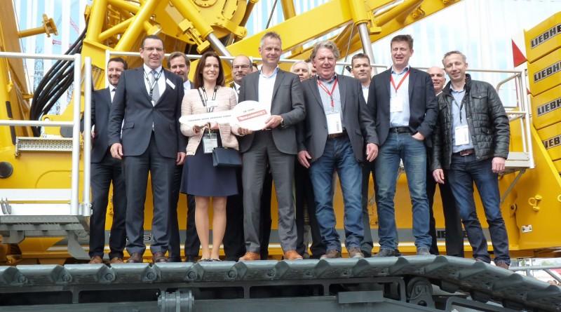 liebherr-crawler-crane-lr1500-mammoet-300dpi