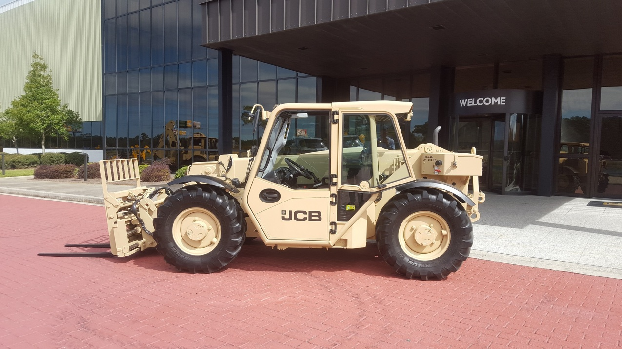 JCB : U.S. Army for light-capability rough terrain forklifts