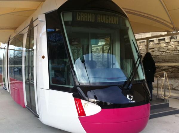 NGE:Tramway__Avignon_1