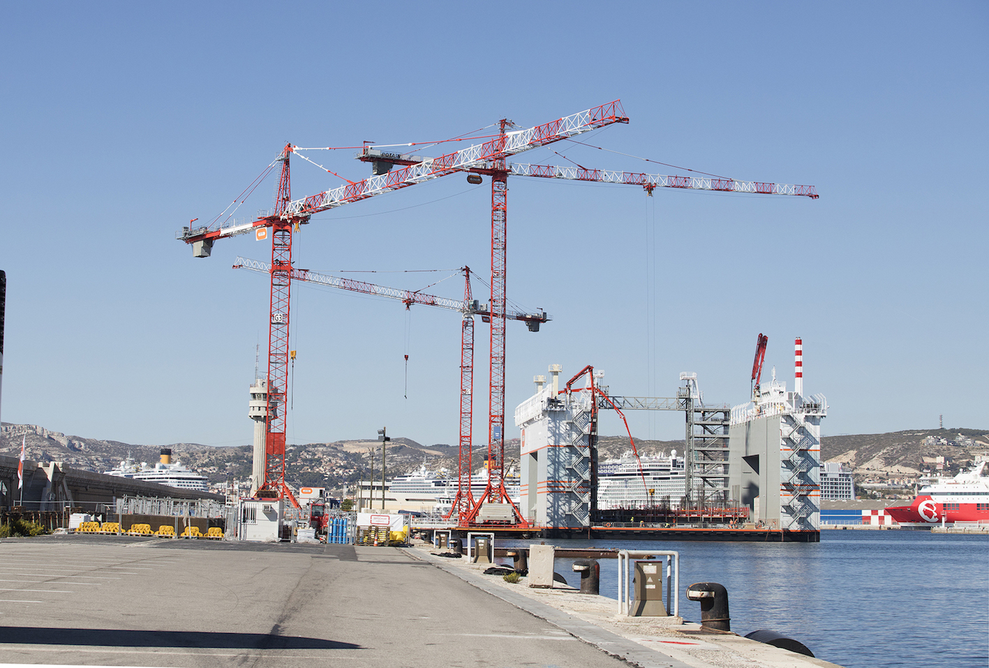 Potain-and-Lift-Solutions-contribute-to-stunning-Monaco-ocean-lands-reclamation-project-from-Marseille-6 - copie