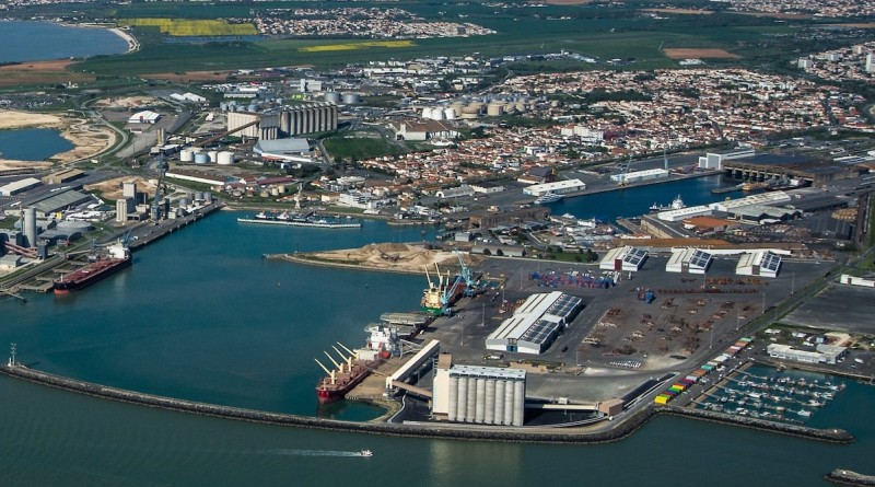 Bollore:Port La Rochelle - copie