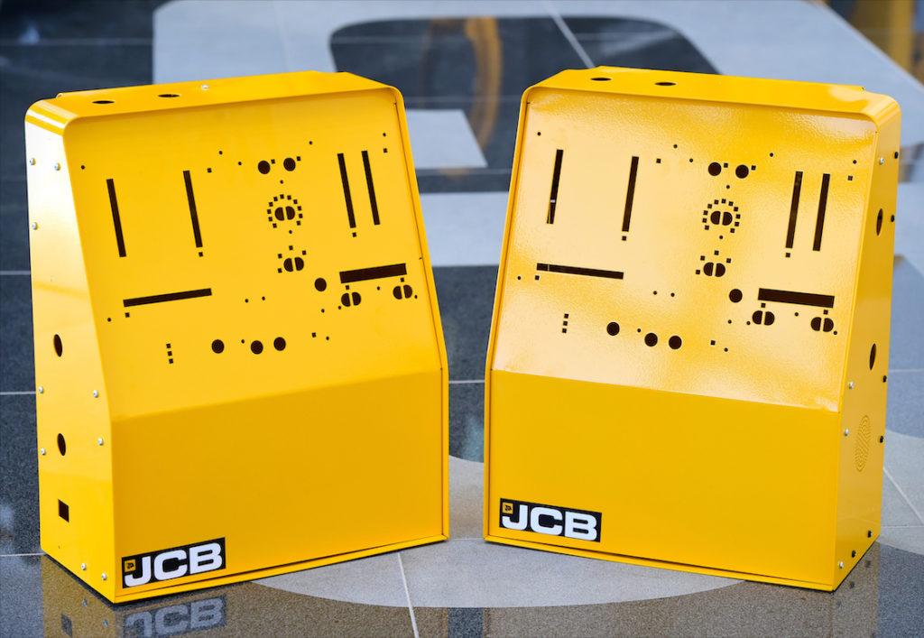 JCB redémarre l'une de ses usines pour fabriquer des respirateurs