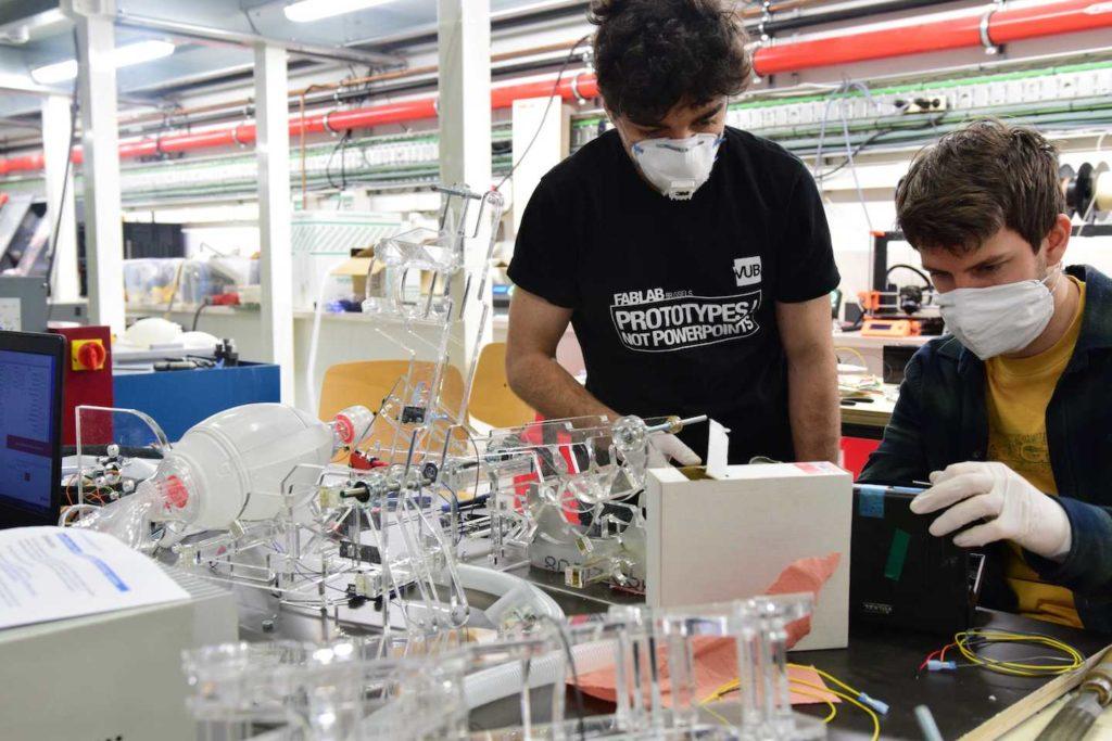 Les moteurs d'essuie-glace du DAF XF utilisés pour fabriquer des respirateurs
