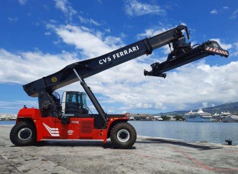 Un nouveau stacker CVS Ferrari à Tahiti