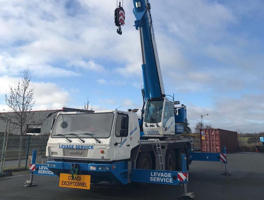 Levage Service livré d'une nouvelle grue Grove GMK3050-2
