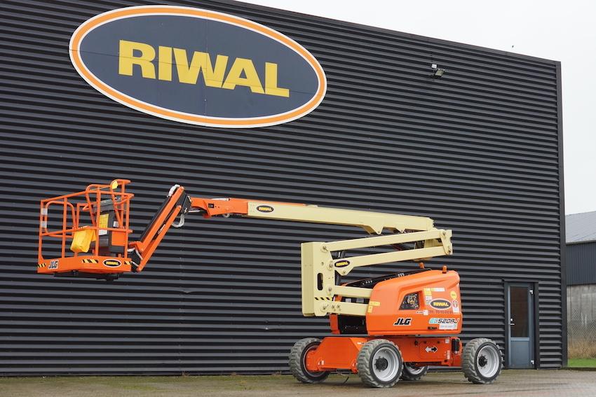 Riwal investit dans les nacelles articulées électriques JLG