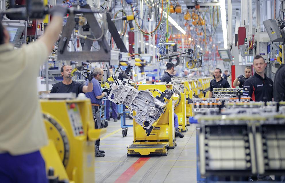 Cummins va produire les moteurs de gamme moyenne pour Daimler Truck AG
