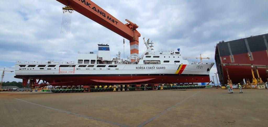 Un navire de 3000 tonnes sur 96 lignes en Corée