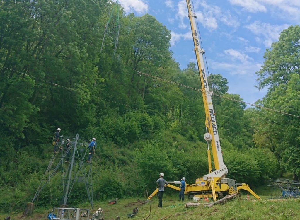 Mediaco : opération délicate de restauration de pylônes